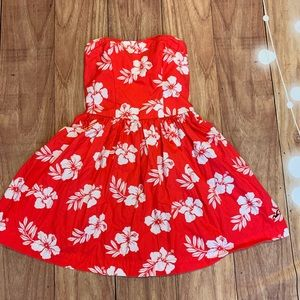 Hollister coral strapless white hibiscus flowers